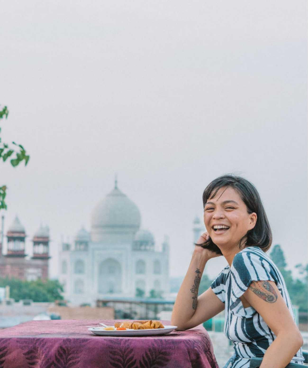 restaurants with taj mahal view